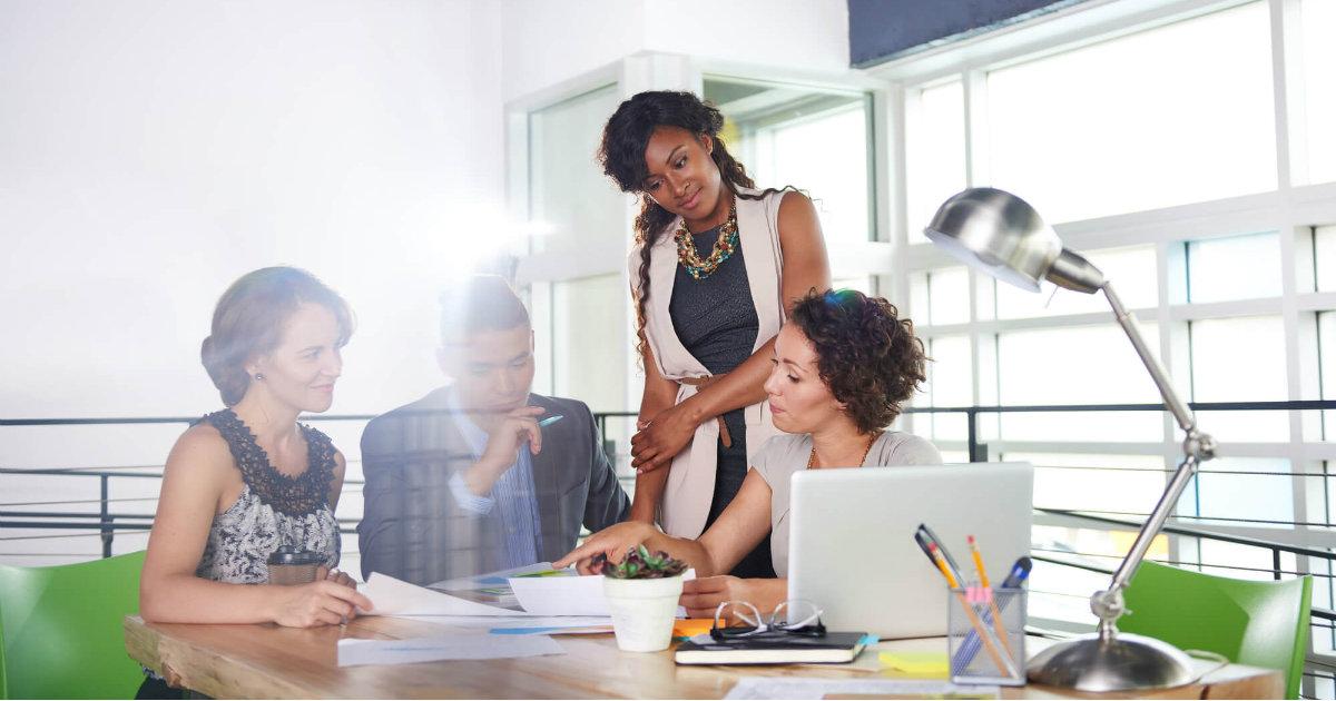 criacao-do-site-da-sua-empresa-saiba-quais-as-vantagens-de-contratar-uma-equipe-profissional.jpeg