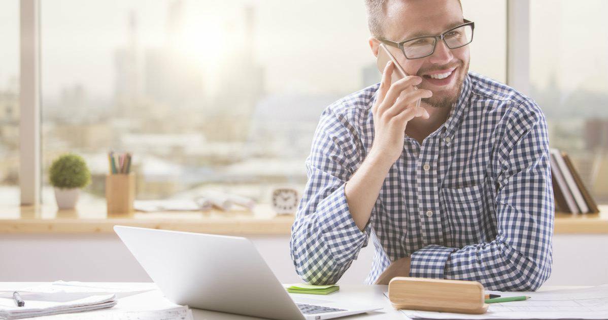 5-dicas-para-encantar-o-cliente-no-primeiro-contato-pelo-telefone.jpeg